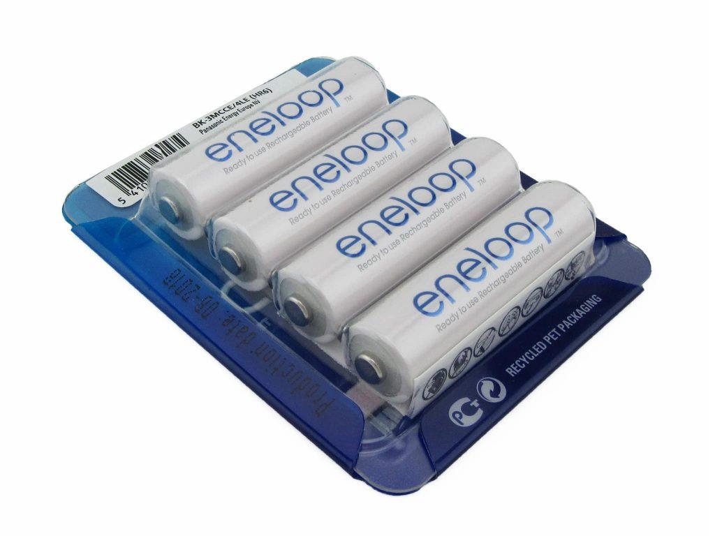 4 Eneloop AA-Size rechargeable batteries